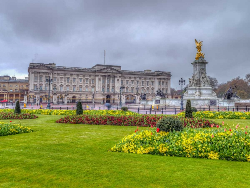 Buckingham Palace and St James Park, London