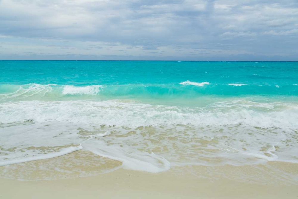 Bahamas, Little Exuma Island Ocean and beach